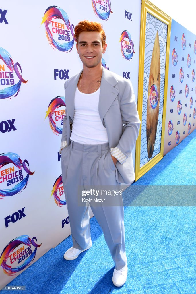 FOX's Teen Choice Awards 2019 - Roaming Carpet : News Photo