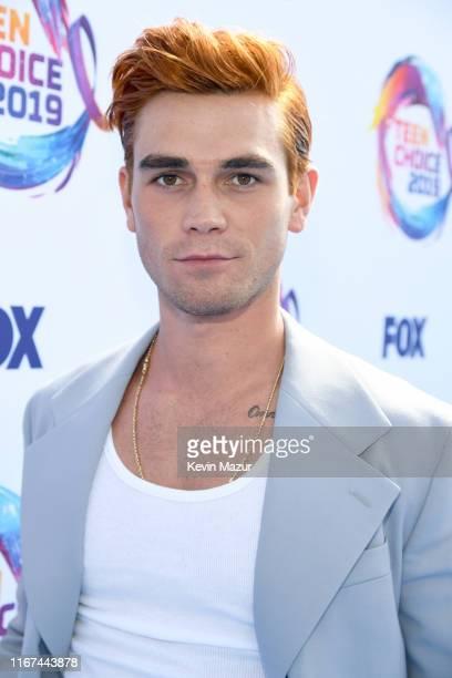 Apa attends FOX's Teen Choice Awards 2019 on August 11 2019 in Hermosa Beach California