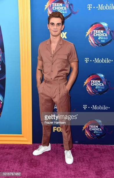 Apa attends FOX's Teen Choice Awards at The Forum on August 12, 2018 in Inglewood, California.