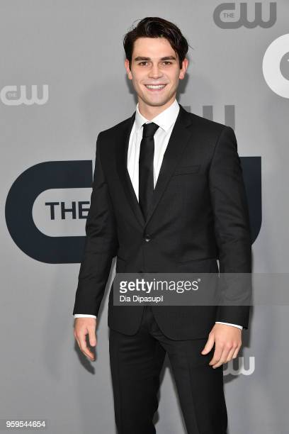Apa attends the 2018 CW Network Upfront at The London Hotel on May 17, 2018 in New York City.