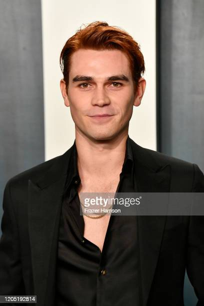 Apa attends the 2020 Vanity Fair Oscar Party hosted by Radhika Jones at Wallis Annenberg Center for the Performing Arts on February 09, 2020 in...