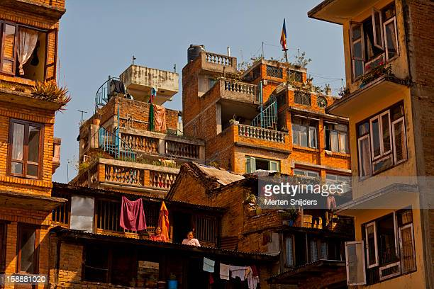 apartment block at yethkha baha square - merten snijders fotografías e imágenes de stock