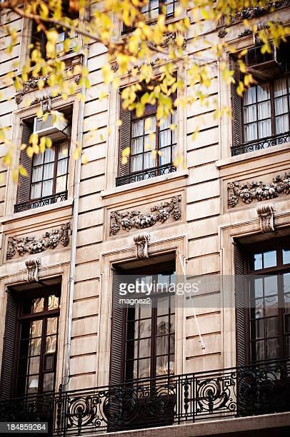 アパートメントの建物 - アッパーイーストサイドマンハッタン ストックフォトと画像