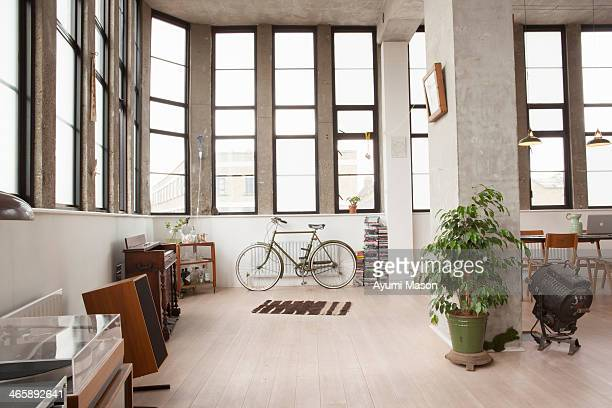 apartment interior with retro style - wohnung stock-fotos und bilder