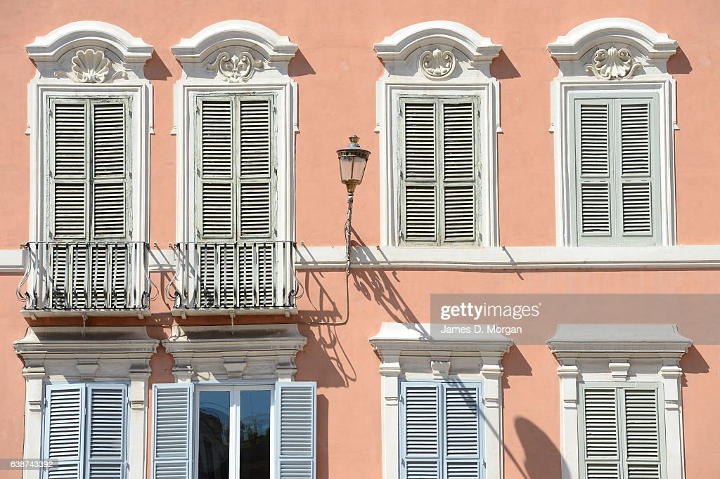 Italian Apartment windows : News Photo