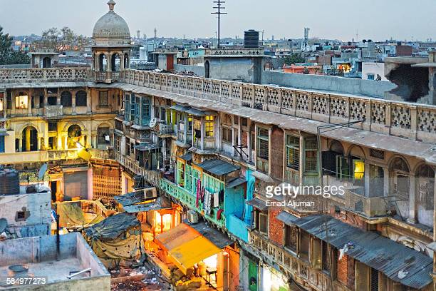 apartments at fatehpuri majid, old delhi - jama masjid delhi stock pictures, royalty-free photos & images