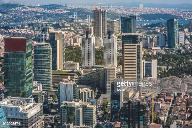 イスタンブール、外装の建築、広場のアパートメント - シシュリ ストックフォトと画像