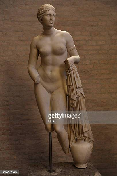 Aphrodite of Cnidus Roman copy of 1st century BC of a Greek original by Praxiteles Ca 370 BC Glyptothek Munich Germany