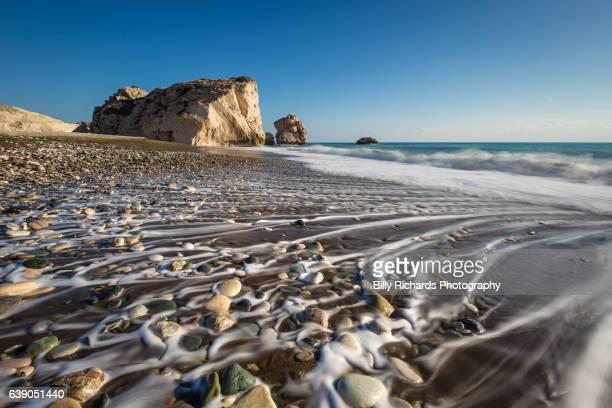 aphrodite's rock and beach, cyprus - パフォス ストックフォトと画像