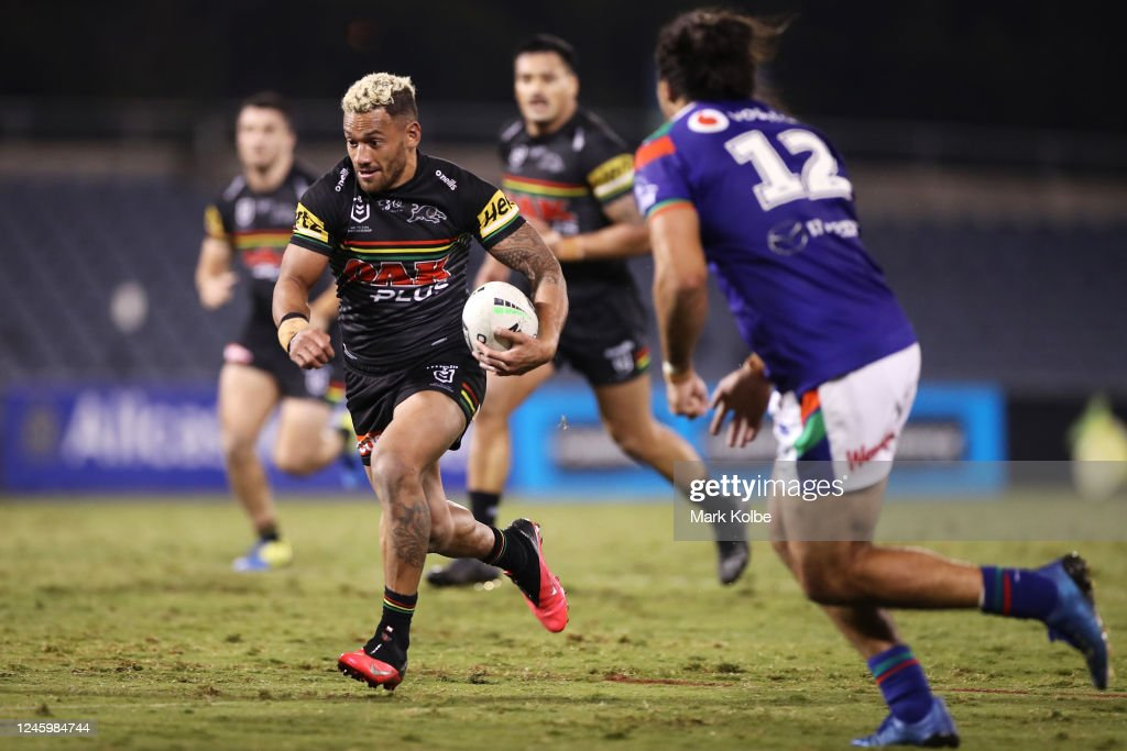 NRL Rd 4 - Panthers v Warriors : News Photo