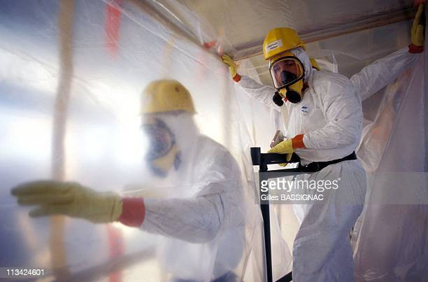 Apma Training 'Asbestos Removal' On September 16th 1996 In Marseille France