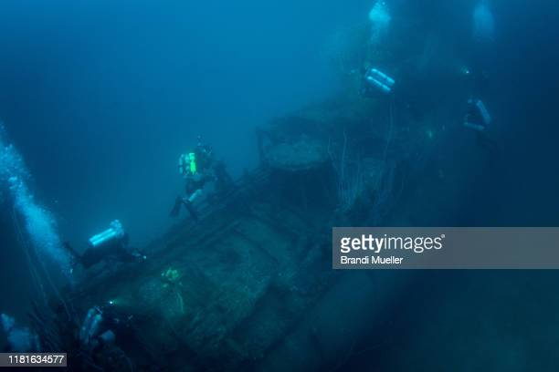 uss apogon submarine sunk in bikini atoll, marshall islands, from operation crossroads - submarine photos stock pictures, royalty-free photos & images