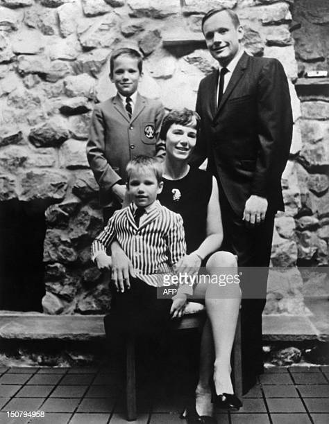 Apollo 11 space mission US astronaut Neil Armstrong poses with his wife Janet and his two sons Eric and Mark on July 11 1969 AFP PHOTO / NASA