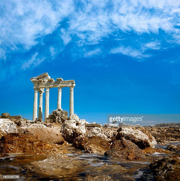apollo temple - naxos stockfoto's en -beelden