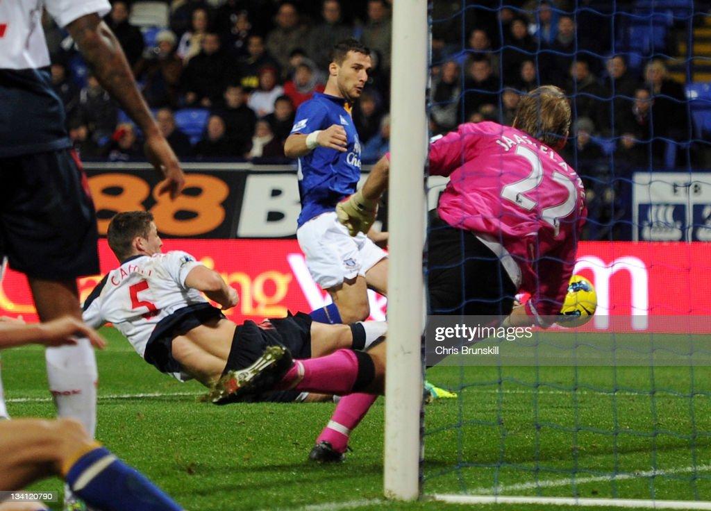 Bolton Wanderers v Everton - Premier League