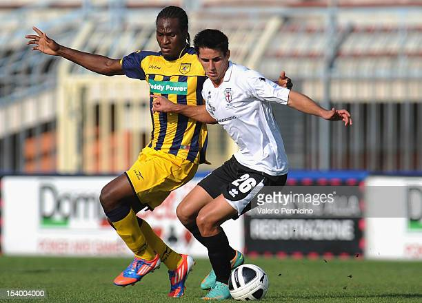 Appelt of FC Pro Vercelli cmpetes with Jerry Mbakogu of SS Juve Stabia during the Serie B match between FC Pro Vercelli and SS Juve Stabia at Stadio...