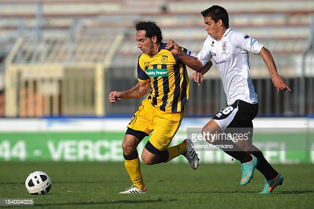 Appelt of FC Pro Vercelli competes with Fabio Caserta of SS Juve Stabia during the Serie B match between FC Pro Vercelli and SS Juve Stabia at Stadio...