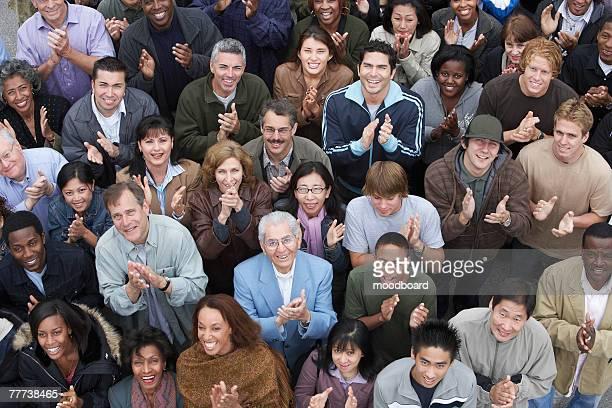 applauding crowd at rally - comício político - fotografias e filmes do acervo