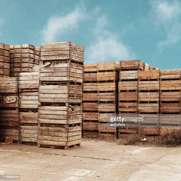 apple boxes - crate stock pictures, royalty-free photos & images