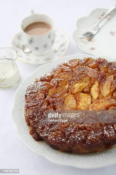 Apple caramel upside-down cake