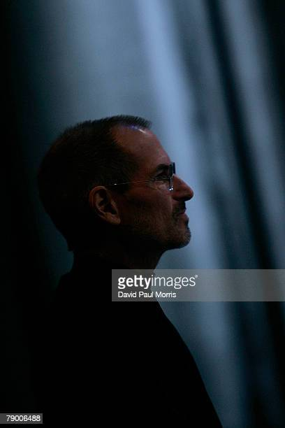 Apple CEO and cofounder Steve Jobs pauses as he delivers the keynote speech to kick off the 2008 Macworld at the Moscone Center January 15 2008 in...
