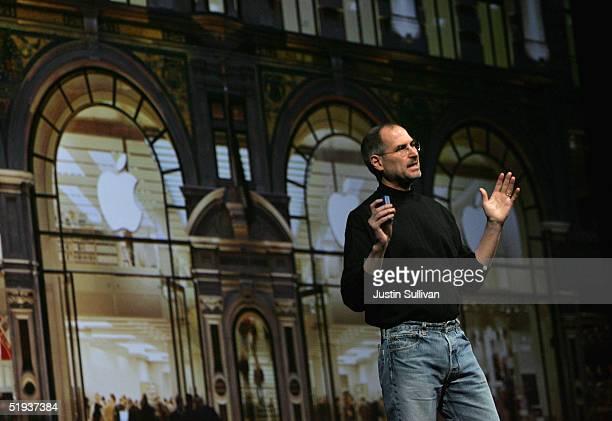 Apple CEO Steve Jobs delivers a keynote address at the 2005 Macworld Expo January 11, 2005 in San Francisco, California.
