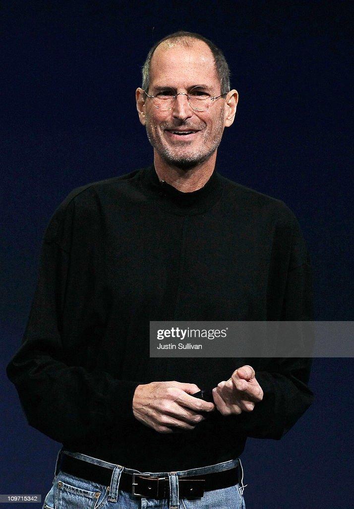 Apple Unveils iPad 2 : News Photo