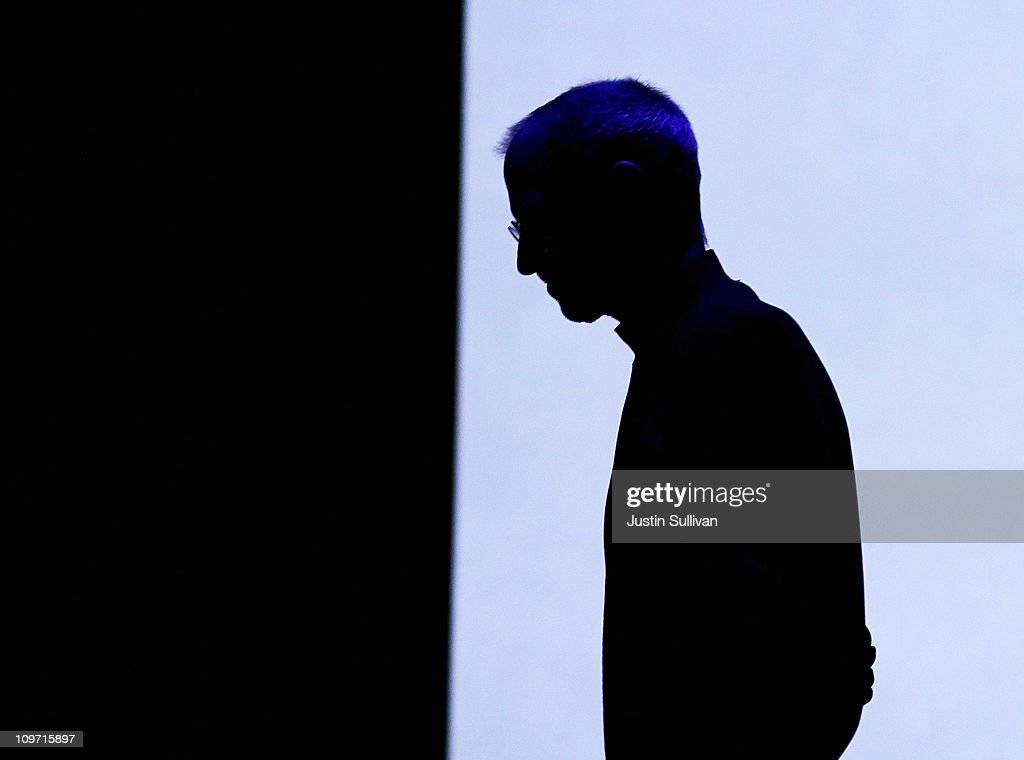 Apple Unveils iPad 2 : News Photo