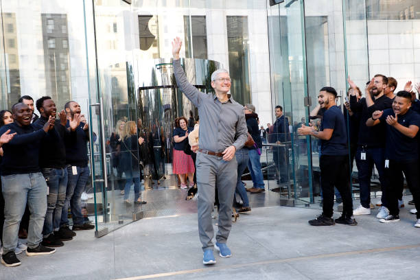 NY: Apple Fifth Avenue Grand Reopening