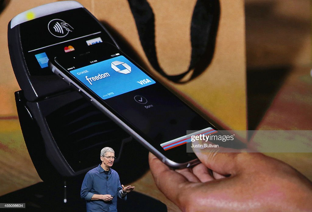 Apple Unveils iPhone 6 : News Photo