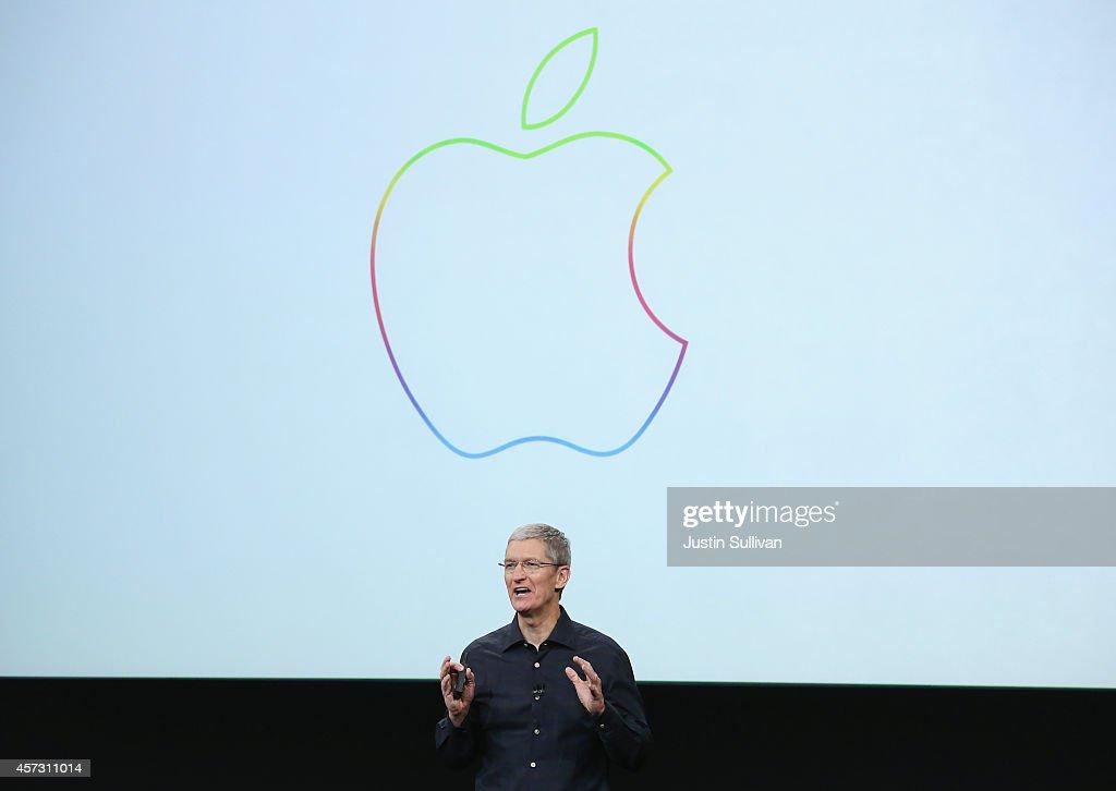 Apple Unveils New iPad Models : News Photo