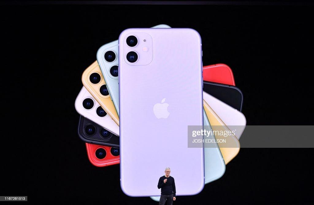 TOPSHOT-DOUNIAMAG-US-IT-lifestyle-Apple : News Photo