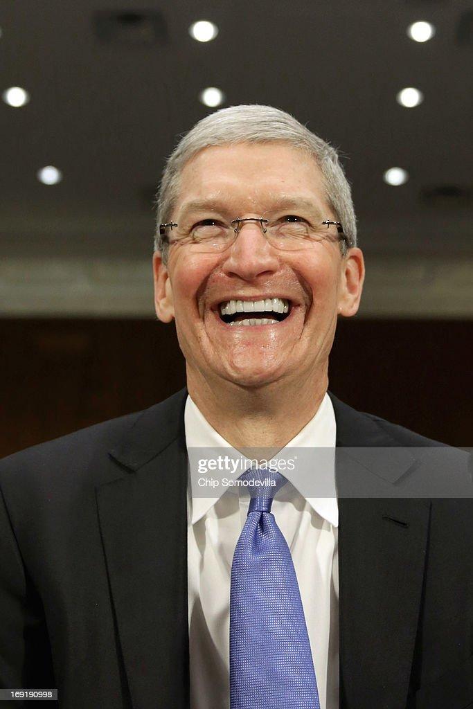 Apple CEO Tim Cook Testifies At Senate Hearing On U.S. Tax Code : News Photo