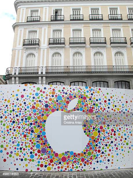 Apple company logo in the works of reform for the opening of its new flagship store in Madrid in Puerta del Sol Spain 29th May 2014