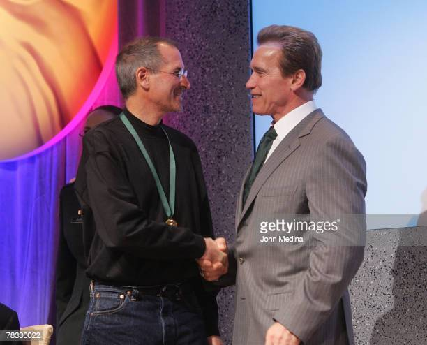 Apple Computer CEO Steve Jobs is honored by California governor Arnold Schwarzenegger during the 2007 California Hall of Fame induction ceremony at...