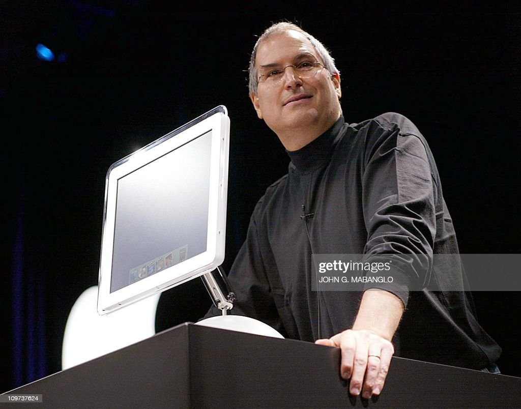 Apple Computer co-founder and CEO Steve : News Photo