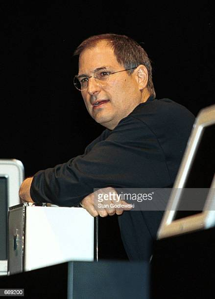Apple Computer Inc founder Steven Jobs unveils the company's new Power Mac G4 Cube at the Jacob Javits Center Macworld Expo July 19 2000 in New York...