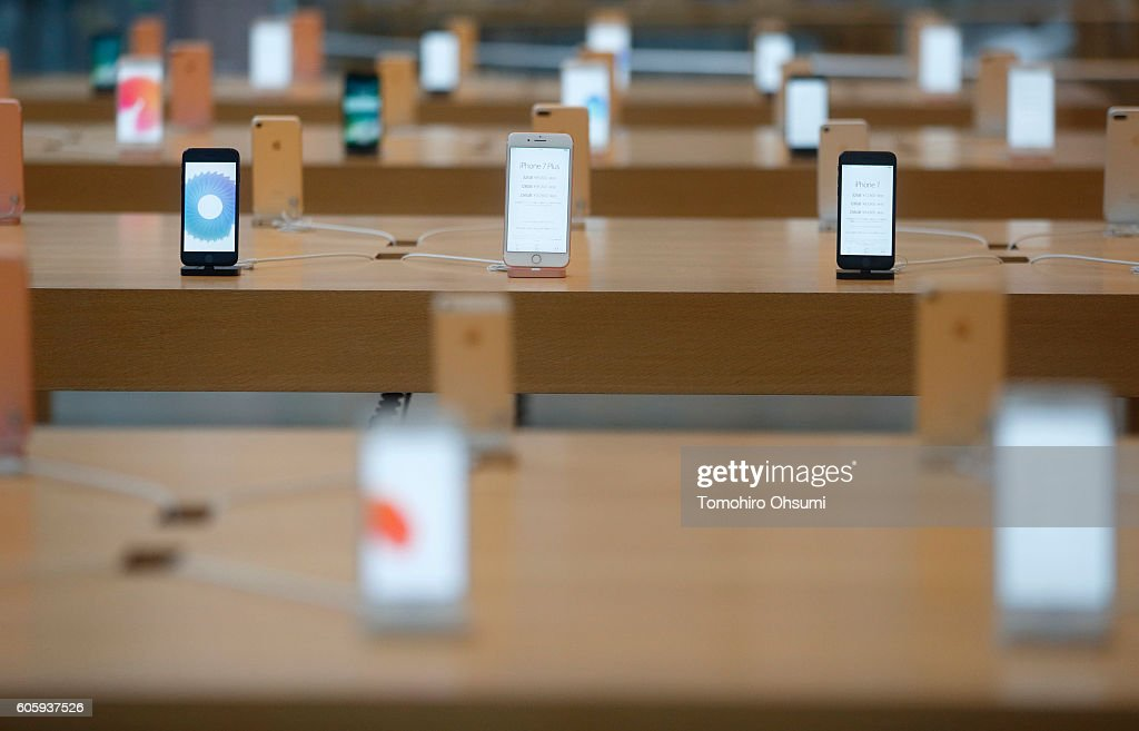 Apple Inc. iPhone 7 and iPhone 7 Plus devices are displayed at the company's Omotesando store on September 16, 2016 in Tokyo, Japan. Apple's iPhone 7 and Apple Watch Series 2 go on sale in Japan today.