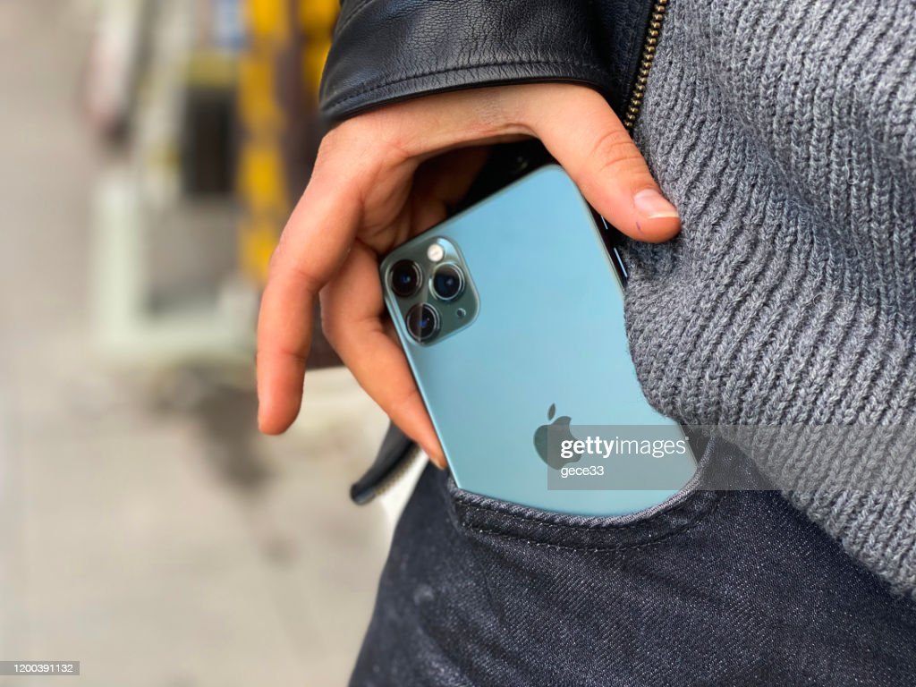アップルのiPhone 11proグリーン : ストックフォト