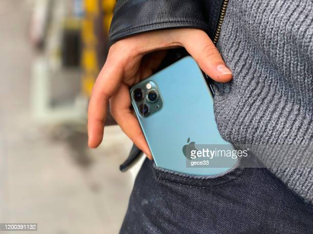 apple iphone 11pro green - 11 stock pictures, royalty-free photos & images