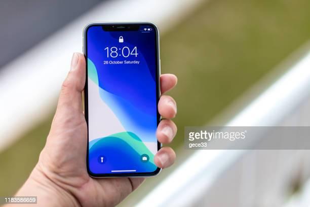 アップル iphone 11pro シルバーホワイト - 数字の11 ストックフォトと画像