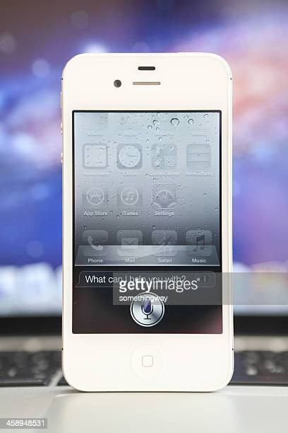 apple iphone 4s siri - siri mobile app stock pictures, royalty-free photos & images