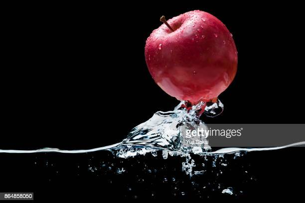 Apple Jump out from water.