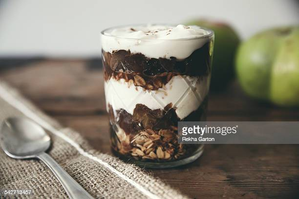 apple parfait in a glass - rekha garton stock pictures, royalty-free photos & images