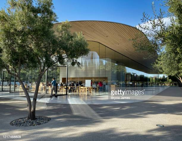 apple park visitor center - brycia james stock pictures, royalty-free photos & images