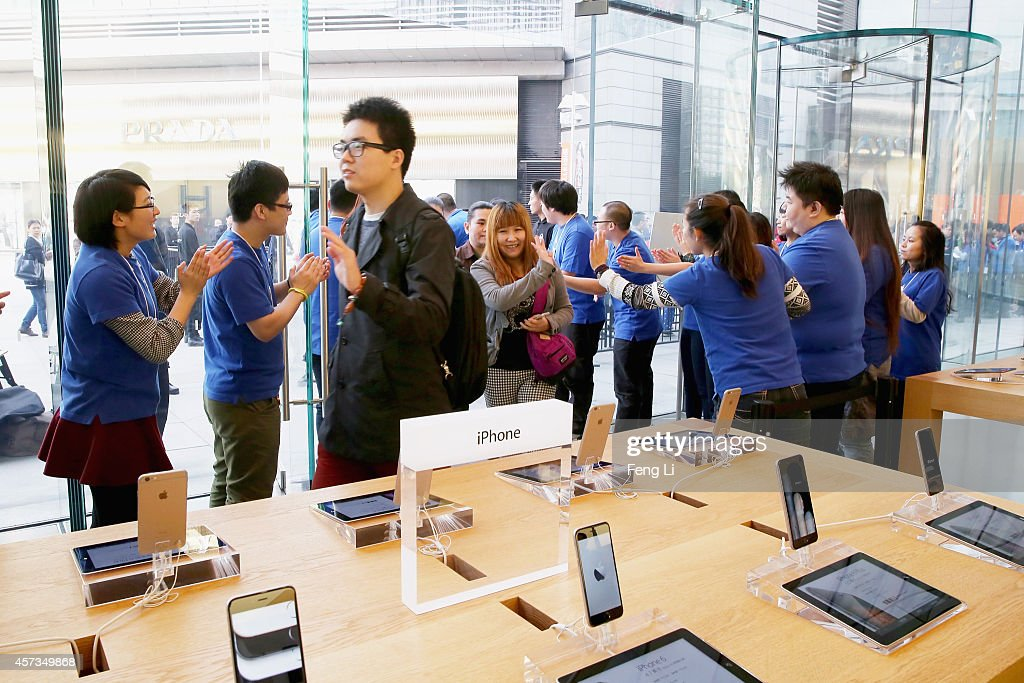 Apple Inc. Launches iPhone 6 And iPhone 6 Plus In China : News Photo