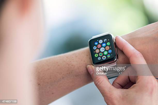apple watch 42mm stainless steel with link bracelet - apple watch stock pictures, royalty-free photos & images
