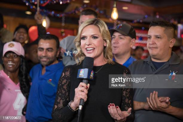 Applebee's ® Neighborhood Grill & Bar hosted NBC Football Night in America for a live preshow broadcast, with Kathryn Tappen, to encourage military...