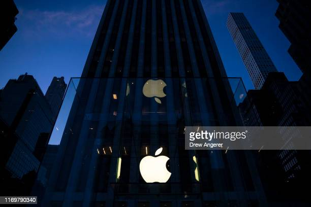 Apple's flagship 5th Avenue store stands at dawn on September 20, 2019 in New York City. Apple's new iPhone 11 goes on sale today at the grand...