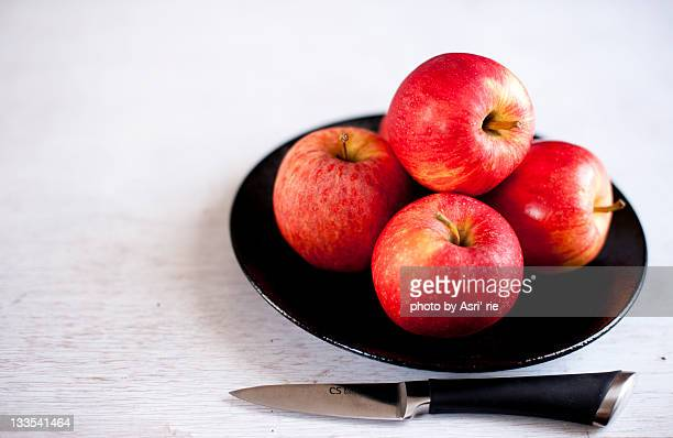 Apples in plate
